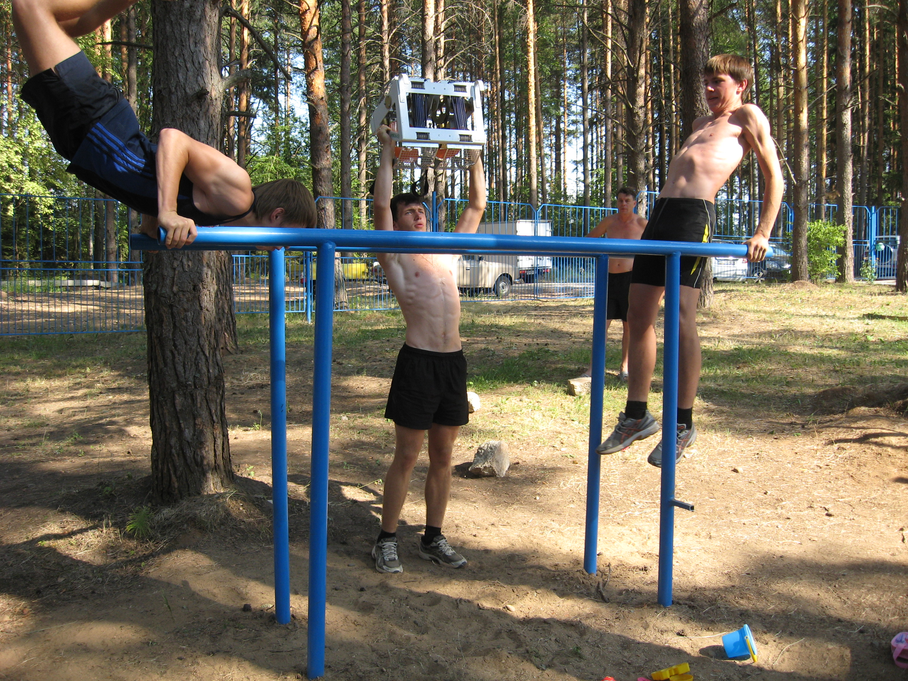 Тренировки на свежем воздухе...