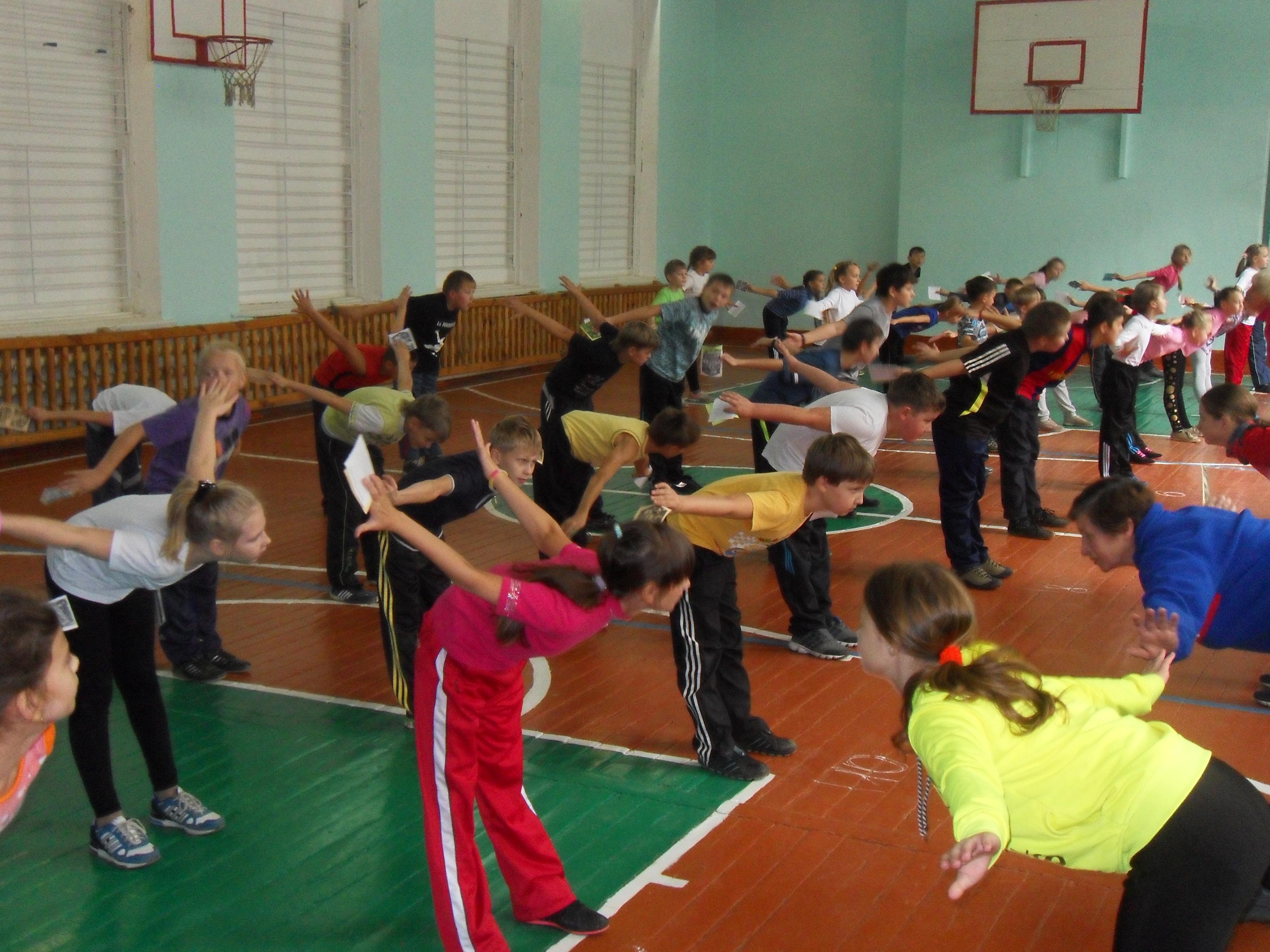 Тренировки в зале...